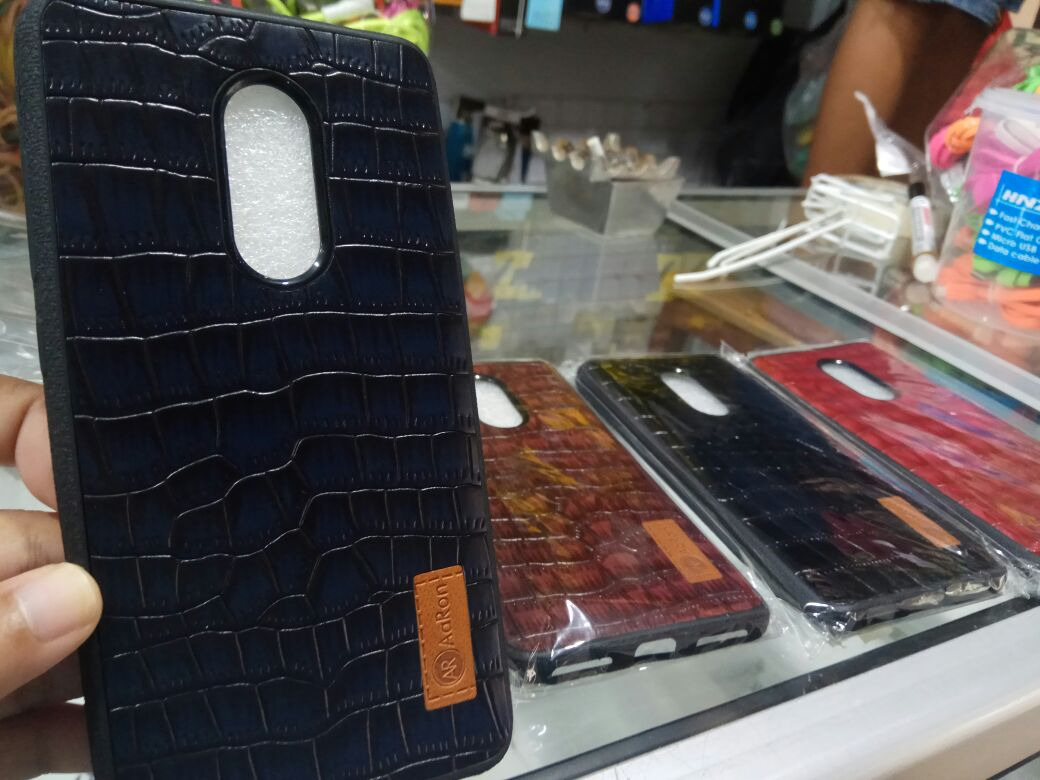 SOFTCASE AARON CROCODILE SERIES