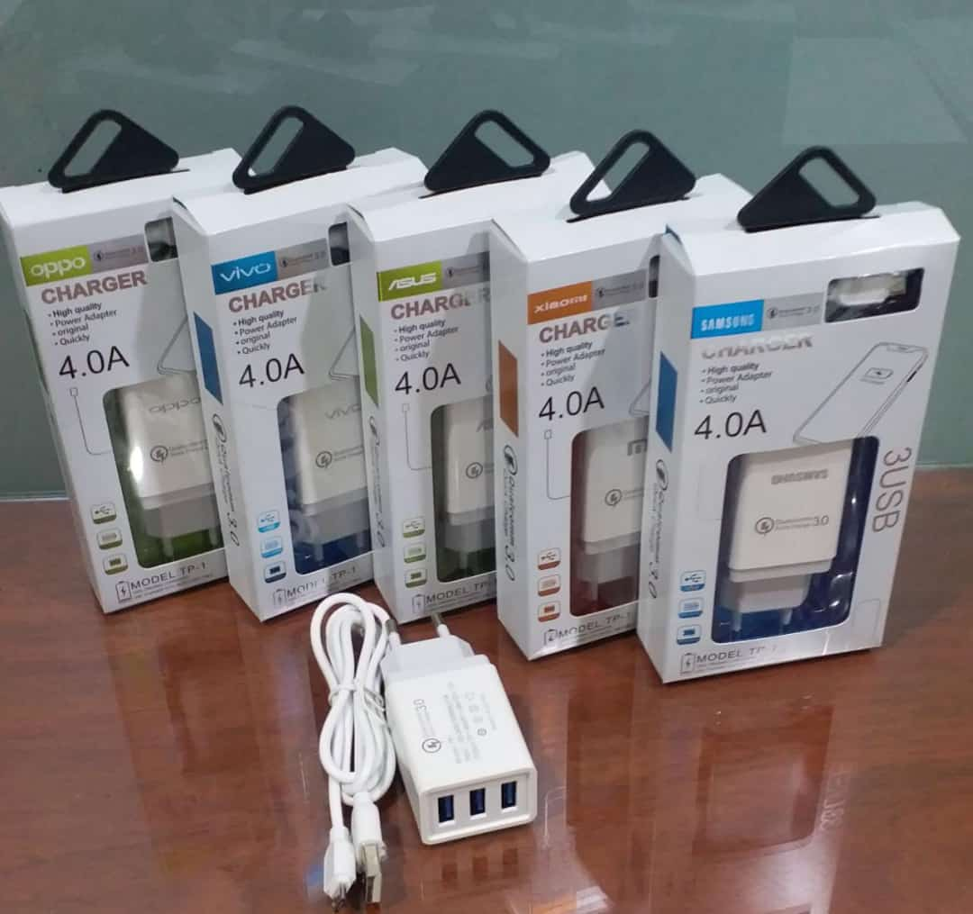 TRAVEL CHARGER BRAND A90 4.0A 3 USB